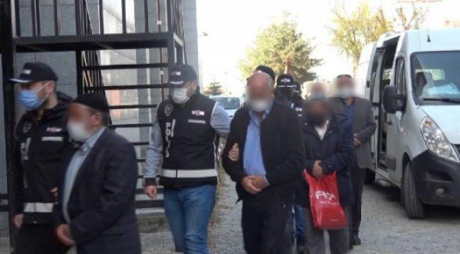 Erzurum'daki tefeciler silahlarıyla birlikte yakalandı