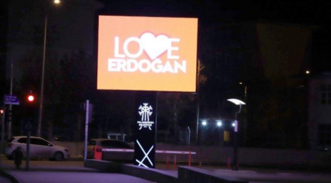 """""""Stop Erdoğan"""" değil """"Love Erdoğan"""""""