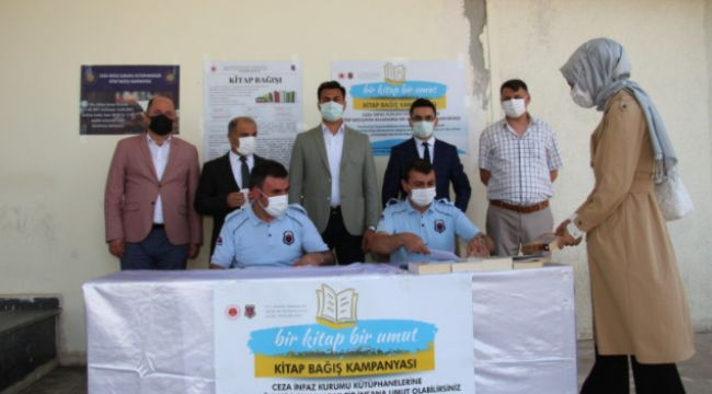 Oltu'da 'Bir Kitap Bir Umut' kitap bağış kampanyası başladı