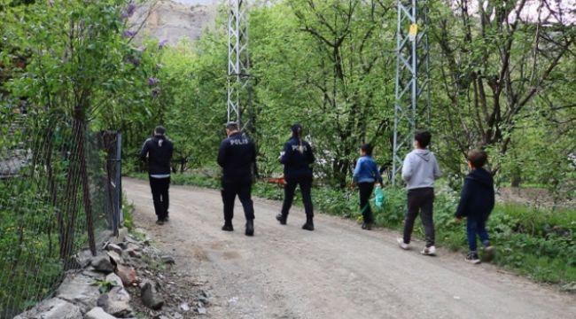 Uzundere'de polislerin alkışlık çalışması