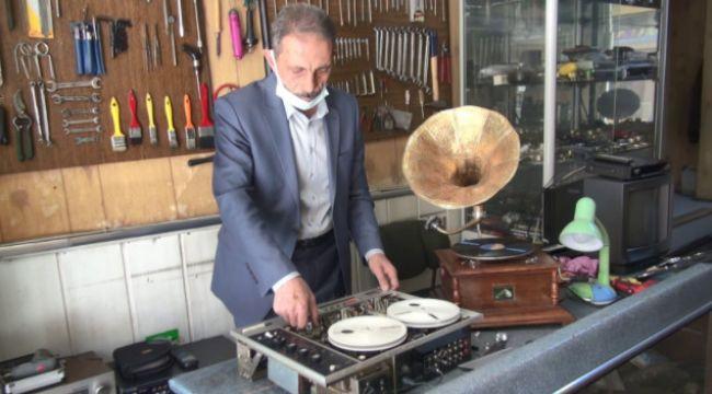 Yarım asırlık plakçalar ve gramofonları ...