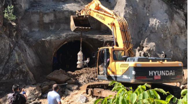 İspir'de tünelde kaybolan işçiyi arama çalışmaları devam ediyor