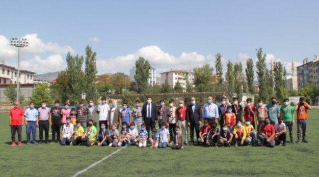 Kur'an kursu öğrencilerini futbol turnuvası sona erdi