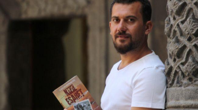 """Sözde ermeni soykırımının gerçek yüzünü anlatan roman """"kızıl esaret"""" ..."""