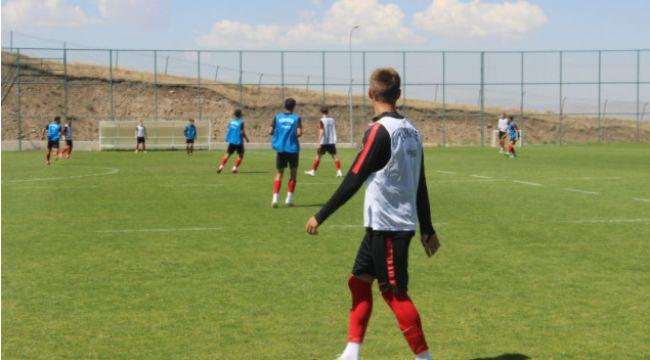 U19 Milli Takımı, Avrupa Şampiyonası 1. ön eleme turu maçlarına Erzurum'da hazırlanıyor