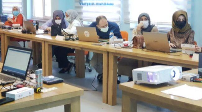 Eğitmenlere ileri robotik pedagojik eğitimi verildi