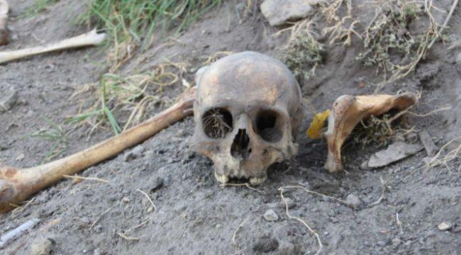 Korkutan görüntü: Her yerden kafatası ve kemikler çıkıyor