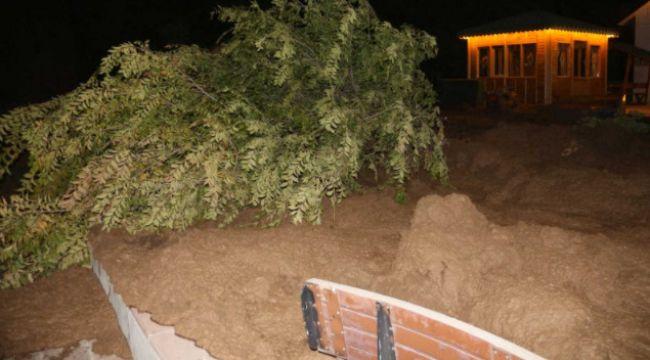 Mevlana Vadisi'nde toprak kayması